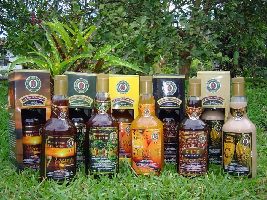 La gamme des 5 liqueurs exotiques